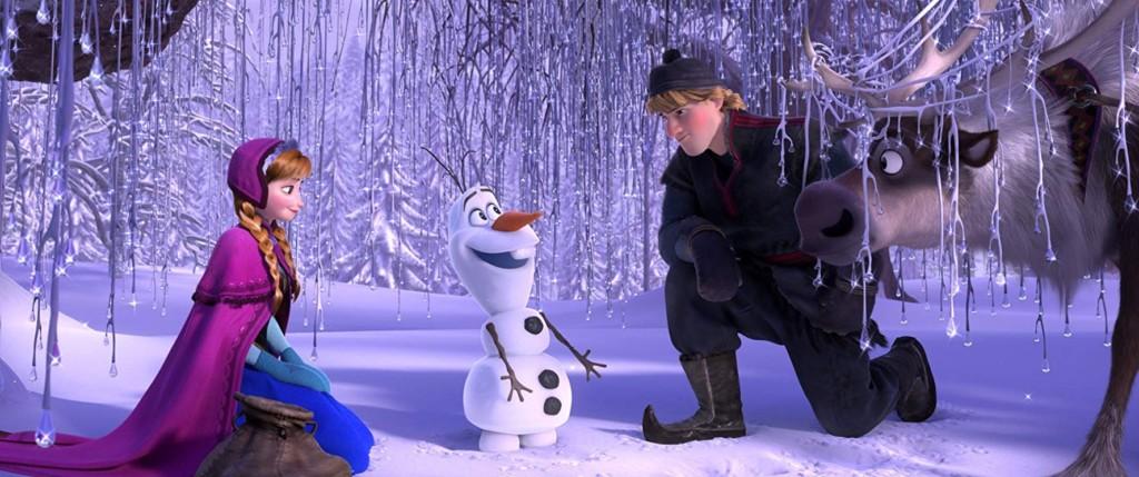 5個「你不能錯過的」《冰雪奇緣2》小細節 關鍵時刻的姿勢一模一樣!