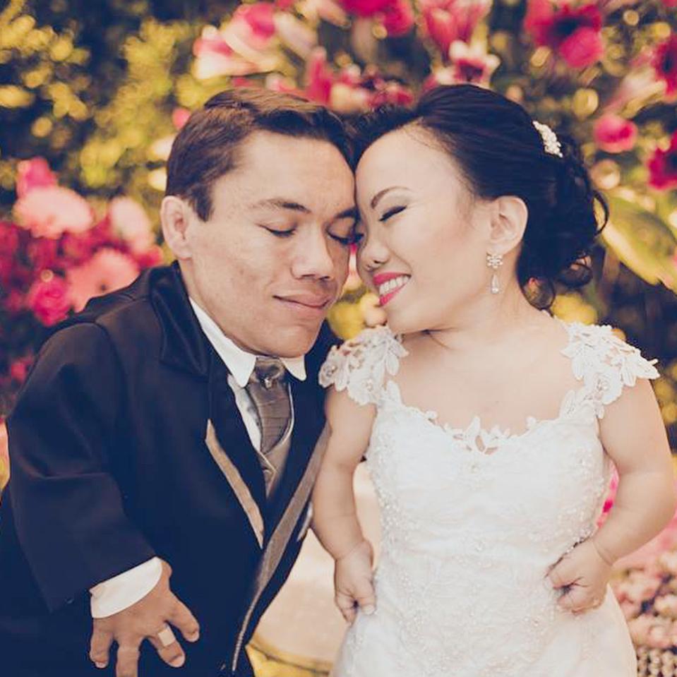 世界最矮情侶「艱辛相愛過程」感動眾人 他們曝光「超Q甜蜜婚照」超催淚!