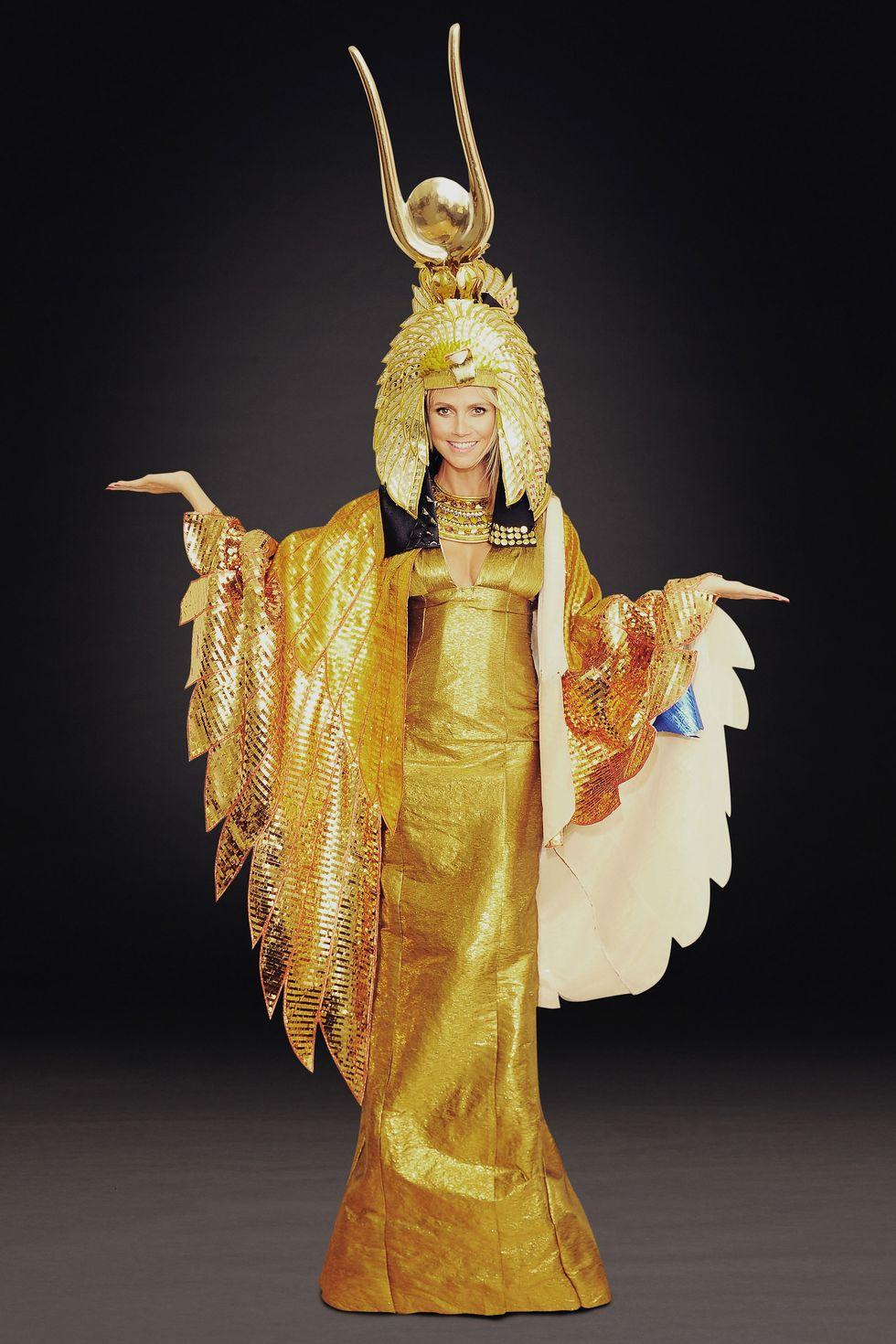 海蒂克隆「萬聖節女王」的歷年瘋狂造型 犯規「直接扮成自己」效果竟然超棒!