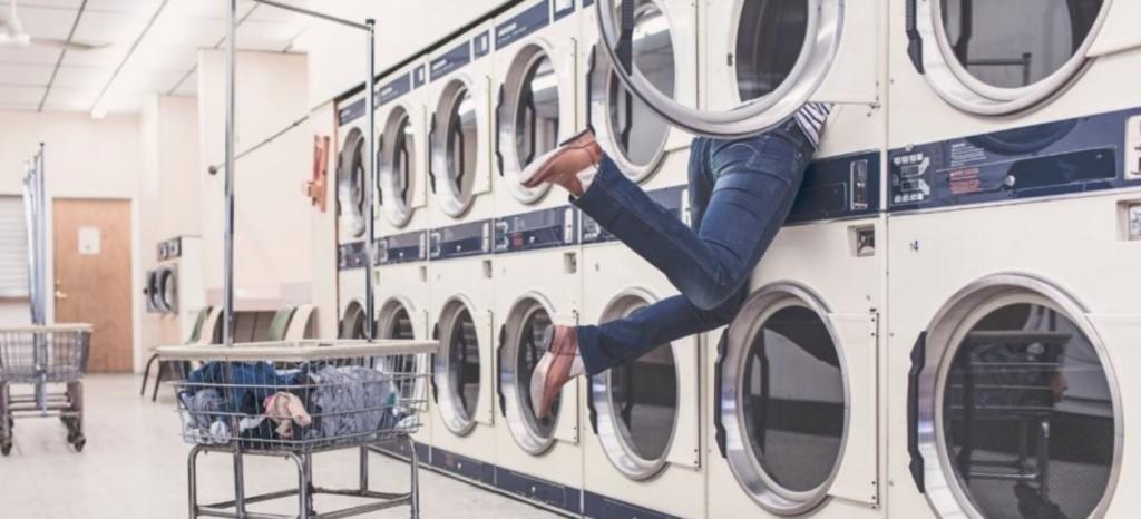 他驚見「小孩困在洗衣機」被嚇壞 揭開「超糊塗真相」秒笑翻:下次不敢了!