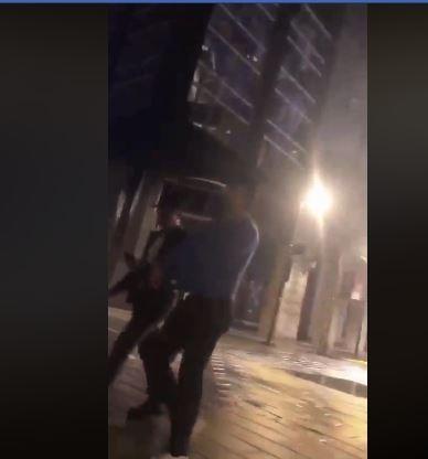 《星際大戰》風暴兵被偷了!ABC男趁凌晨「把頭拔掉」正臉全被錄下