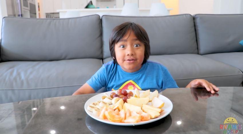 8歲小網紅靠「開箱影片」爆紅!如今「年收7.8億」登富士比:收入最高YouTuber