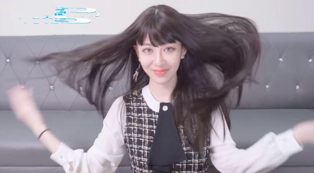 影/美麗妄娜實測「男生最心動的」10款髮型 她霸氣解扣「露事業線」粉絲嗨翻!