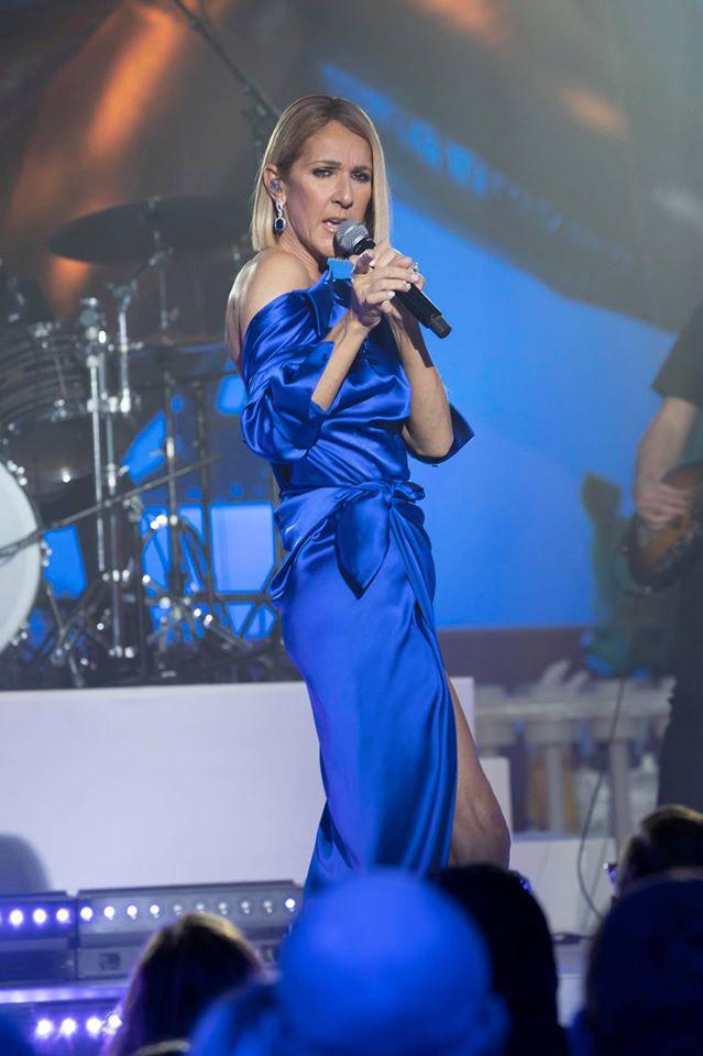 席琳狄翁「品味爆棚」太時尚 把名牌洋裝「反著穿」比時裝秀還好看!