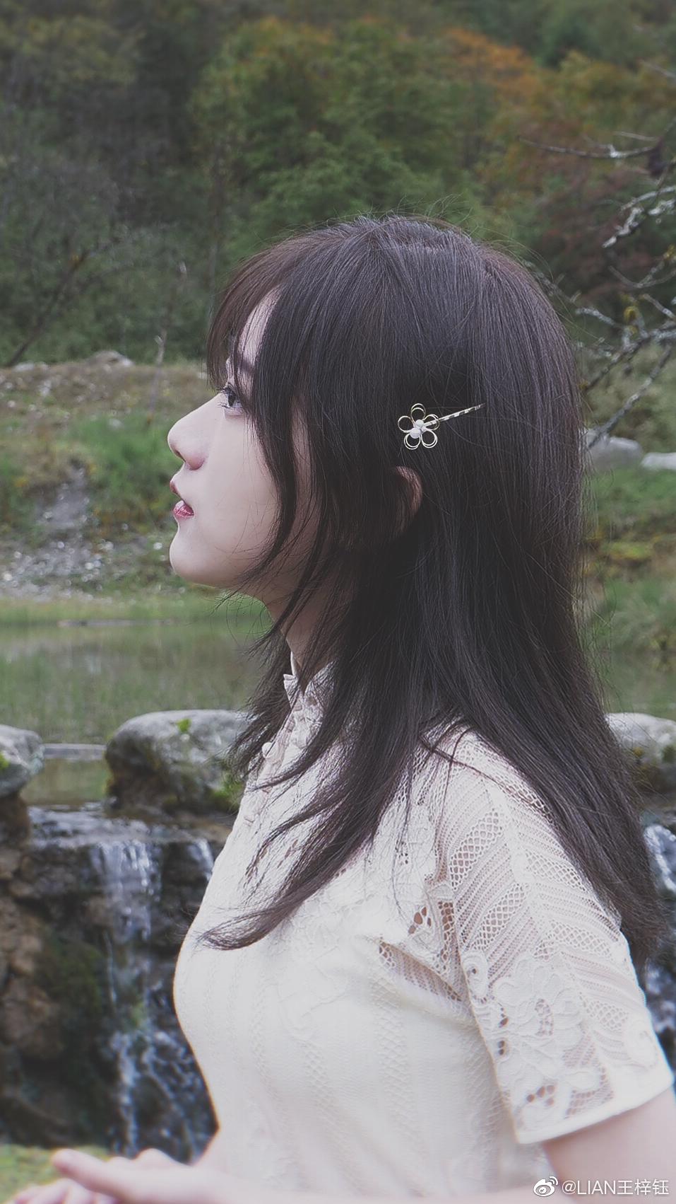 鄉民狂推「中國版愛莉莎莎」相似度超高 粉絲對比照片後大驚:以為是本人!