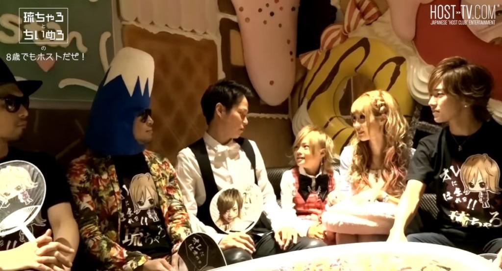 日本辣媽從小培養幼兒「目標第一紅牌牛郎」 4歲最擅長才藝竟是倒酒!