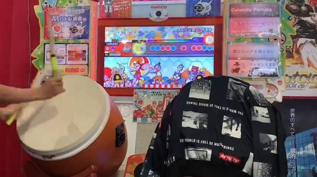 影/神人玩《太鼓達人》忽然螢幕一黑 他淡定繼續玩…最後竟打出903連擊!