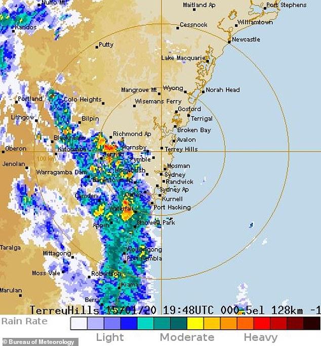 澳洲終於下大雨!消防員鬆口氣:已有「32場大火被澆熄」民眾全鼻酸
