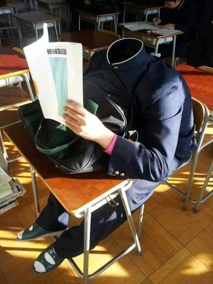 20個「日本才能看到」的腦洞校園日常 為了偷懶…竟把「整顆人頭」變不見!