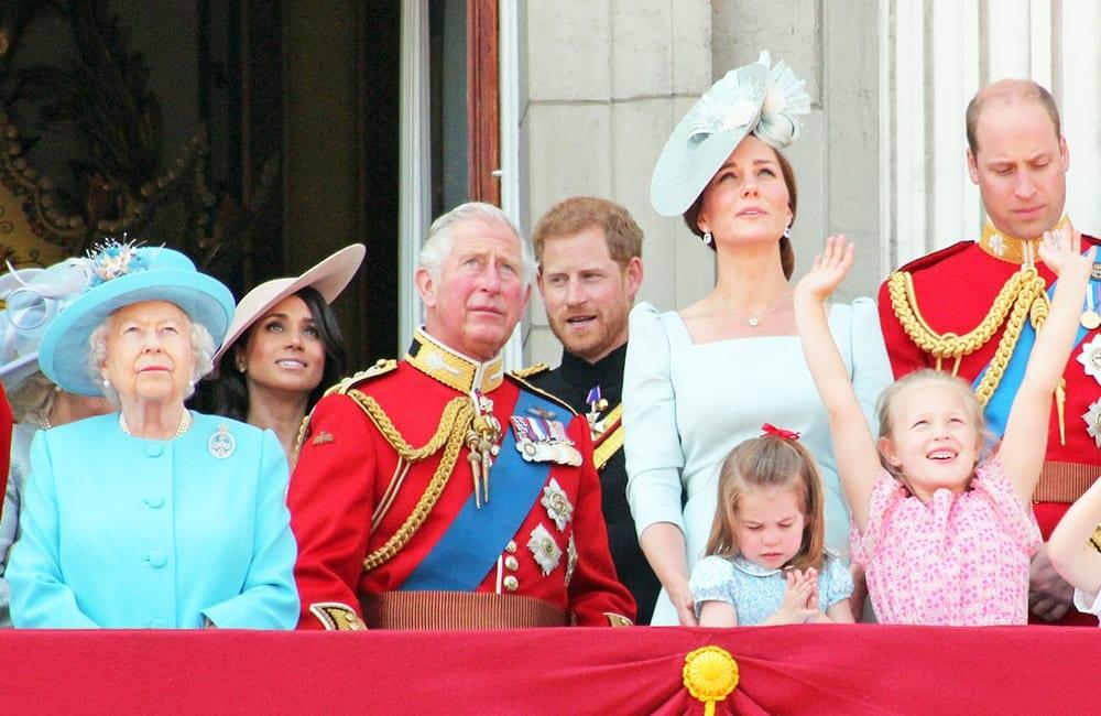 才剛宣布「退出皇室成員」就被除名 梅根哈利蠟像「消失」杜莎夫人皇室區!
