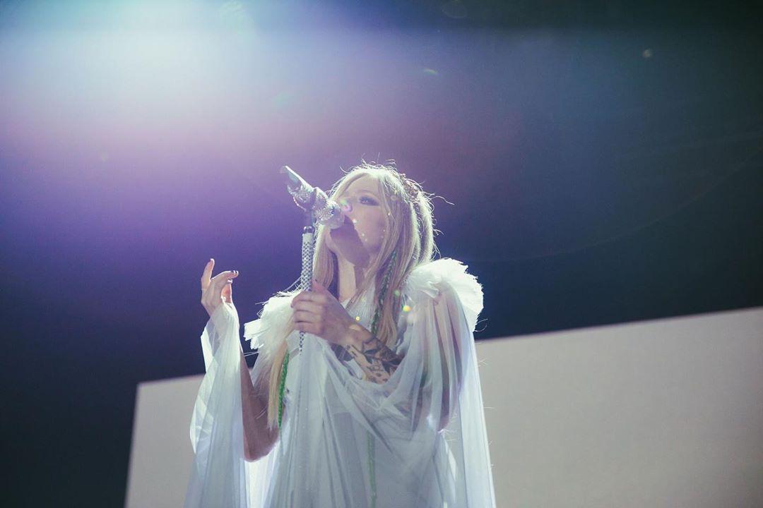搖滾天后艾薇兒5月台北開唱!重回歌壇票價超佛 最便宜「2千有找」