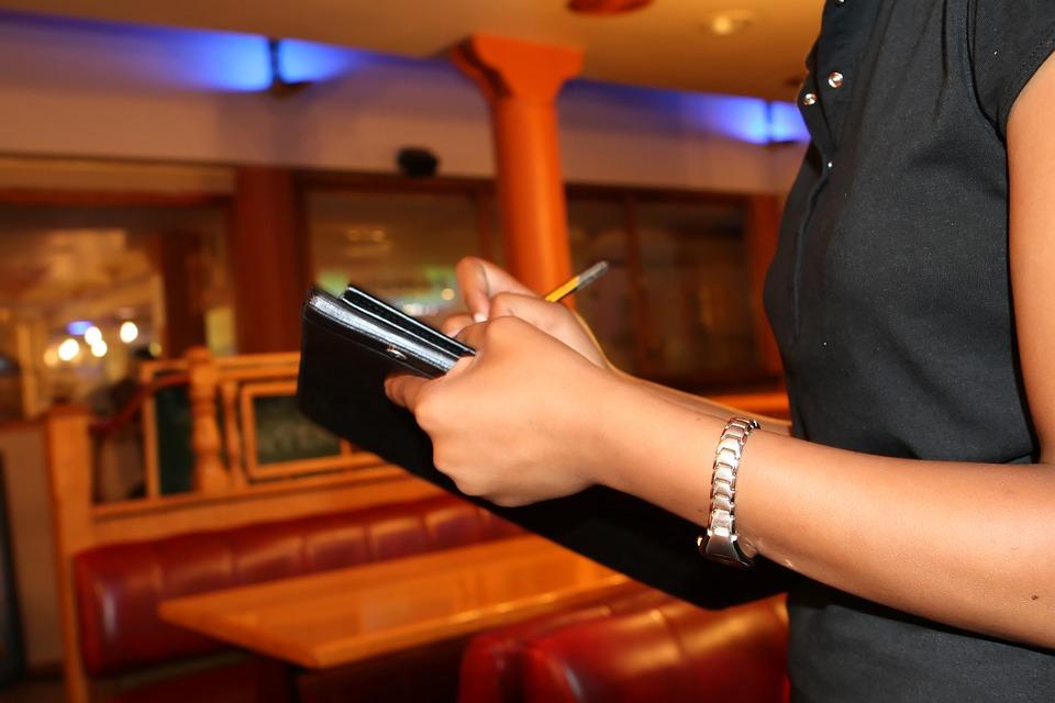 美餐廳推「抗奧客」超狠政策 問「無腦問題」馬上被罰錢!