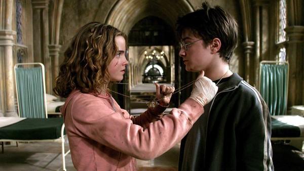 鄉民問卦「為何哈利妙麗沒在一起?」精準分析點出「關鍵因素」:畢竟是男人嘛!