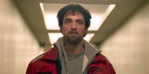 羅伯派丁森片中幫狗狗「鬆一下」惹議 導演爆:看過才「找他接蝙蝠俠」