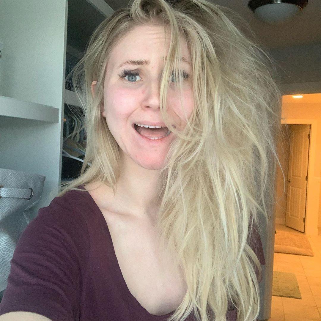 網紅PO「素顏亂髮照」狂掉10萬粉 她卻變得「更快樂」曝:過去都是假的!