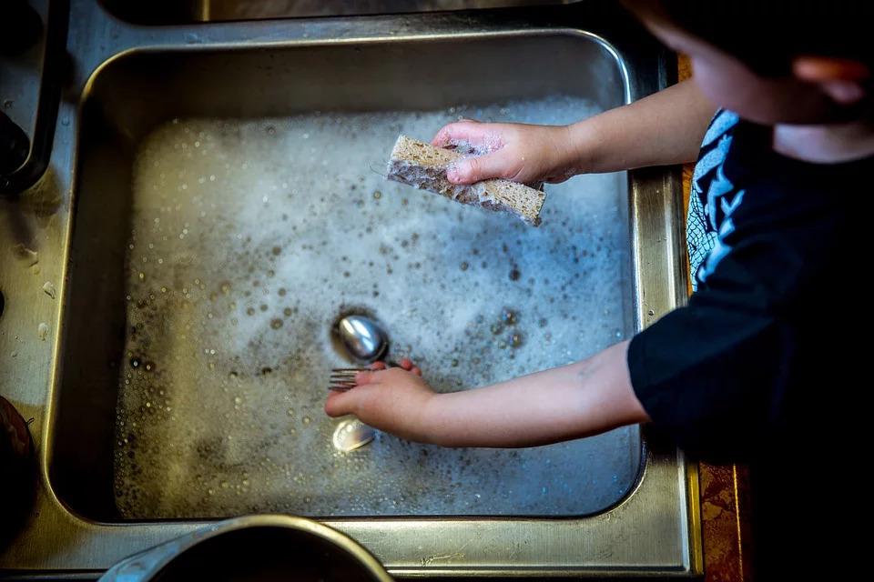 苦命媽「在垃圾上貼鈔票」盼家人幫打掃 實驗1禮拜結果超心寒!