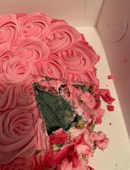 買蛋糕慶祝「女兒第一個生日」 一切開「水泥色糕體」發現超噁真相!
