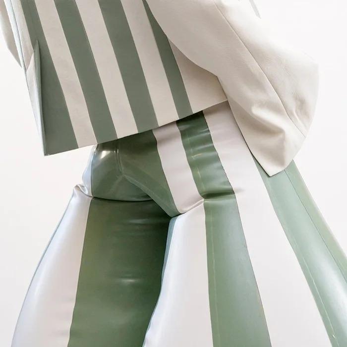 設計師打造超浮誇「充氣皮囊褲」爆紅 「創作靈感」竟是因為狗狗!