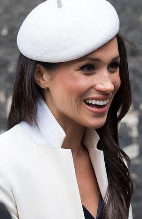 美國空姐「長得太像梅根」爆紅 她透露「終極願望」:想在電影演本尊!