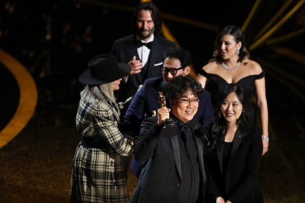 奧斯卡最大贏家《寄生上流》締造歷史!奉俊昊得獎「連自己都納悶」:我就怪咖