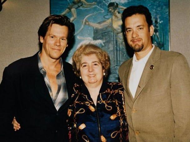 二手店的老相簿裡面竟是「好萊塢巨星青澀照」 神秘「主人奶奶」身分被肉搜!