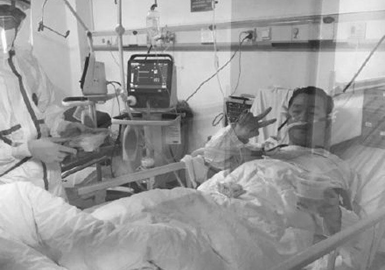 陪病患對抗肺炎「延後婚禮」 29歲醫師「染疫病逝」孕妻等不到新郎!