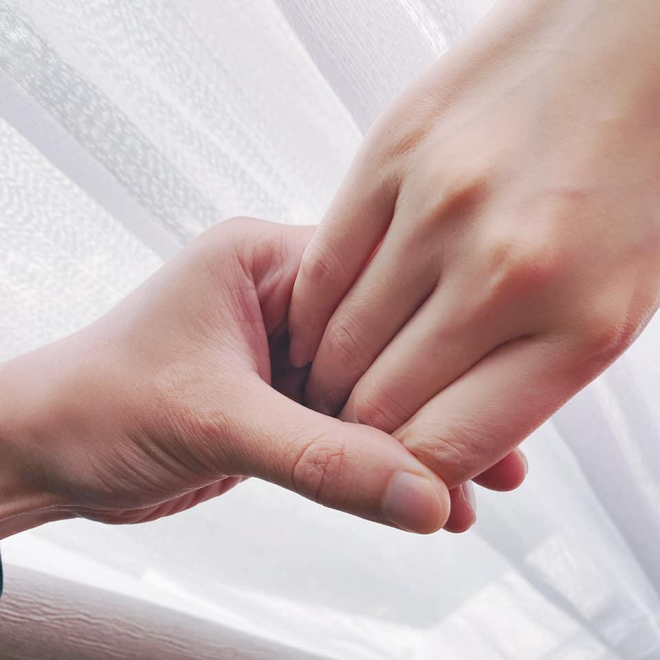 畢書盡情人節投震撼彈「宣布閃婚」 新娘不是交往8年前女友!