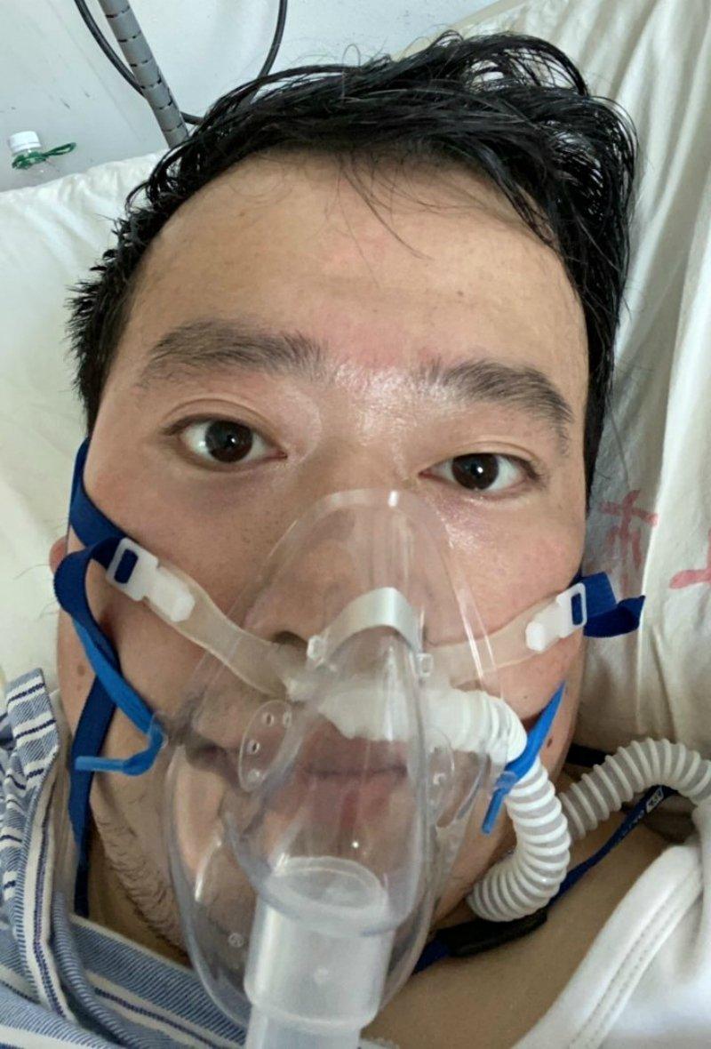 首位「踢爆武肺真相」的醫生被告散布謠言 他「確診肺炎」躺重症病房治療中!