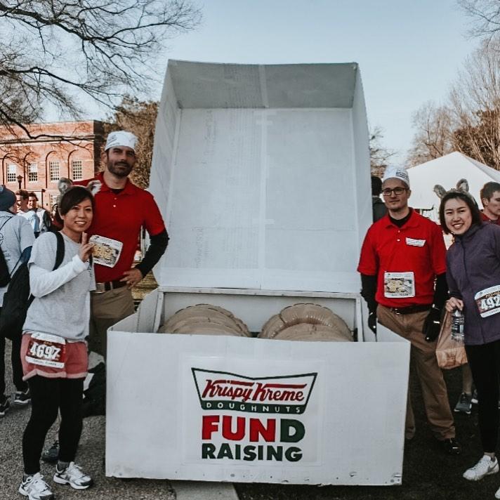吃貨專屬「甜甜圈馬拉松」開跑 邊跑「邊嗑完12個」才算完賽!