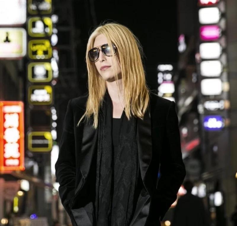 影/日本3億牛郎「罕見短髮」新造型超搶眼 一個俯視迷暈上萬少女❤