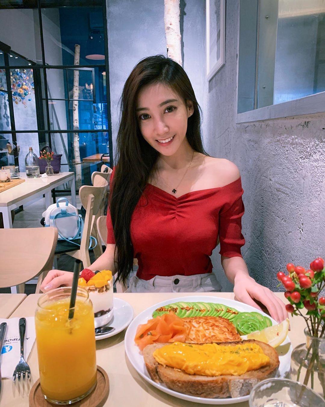 台灣「最美網紅空姐」TOP5 她是全台有「空服夢」都該知道的活教材!