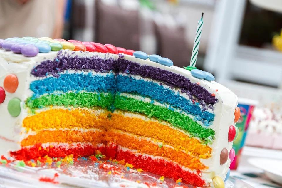 爺爺「101歲生日派對」因武肺取消 可愛舉板:請祝我生日快樂❤