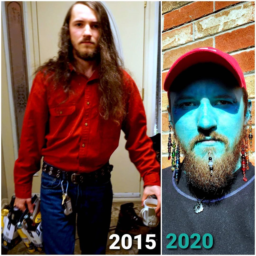 決心要永遠「綠光罩頂」!狂男花3年「幫自己換膚色」挑戰今年完成大業