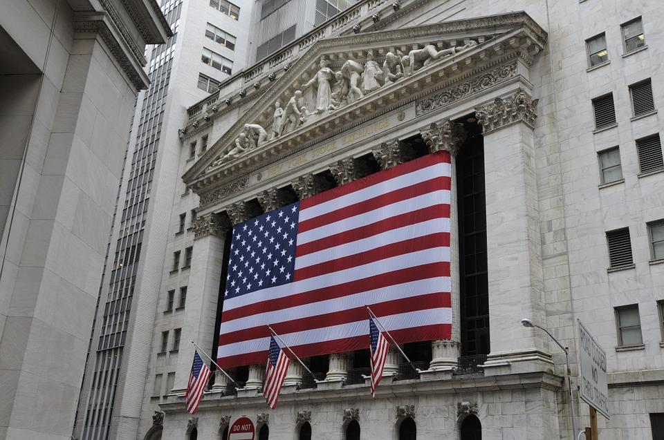 美國「防經濟崩盤」!川普準備發給國民「緊急備用金」每人最高可領6萬