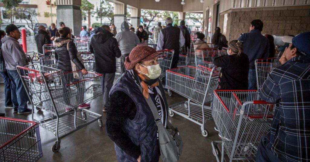 白目男伸舌頭「舔超市整排商品」怒嗆:誰怕武漢肺炎啊!下場果然悲慘