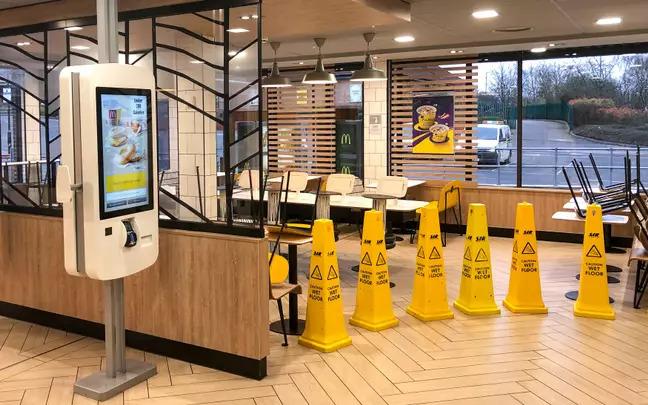 麥當勞宣布「英國分店」全關閉!當晚店門口「排隊車潮」直接造成塞車
