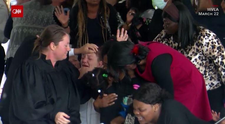 隔天確診!美年輕人參加「我很壯,我不怕武肺」派對 州長爆氣:不要再耍智障了