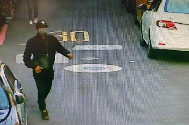 更新/ 抓到了!警方逮捕襲擊蔡阿嘎的「黑衣男和共犯」已帶回北投偵訊