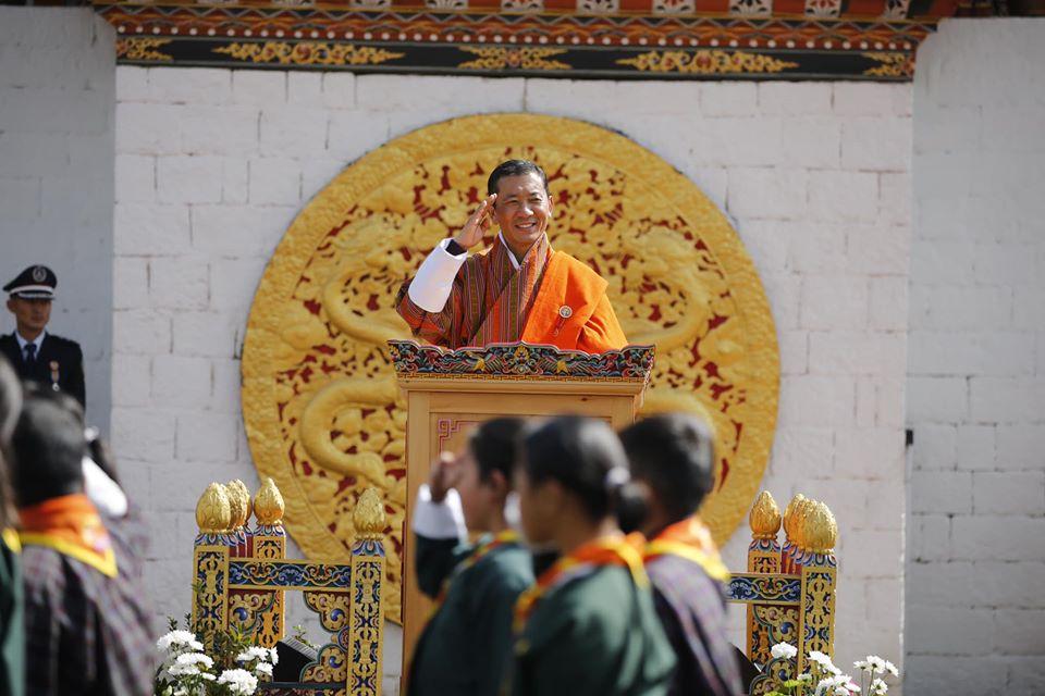 不丹國王「40歲生日」願望超佛 最想要人民「領養浪浪還有多種樹」!