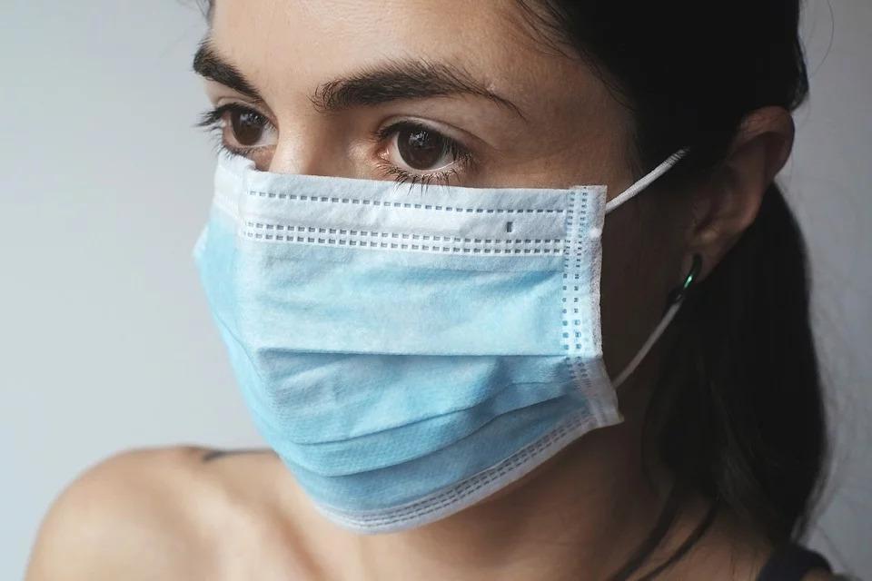 防境外感染!陳時中計劃:外國人來台可買「3片50元」口罩
