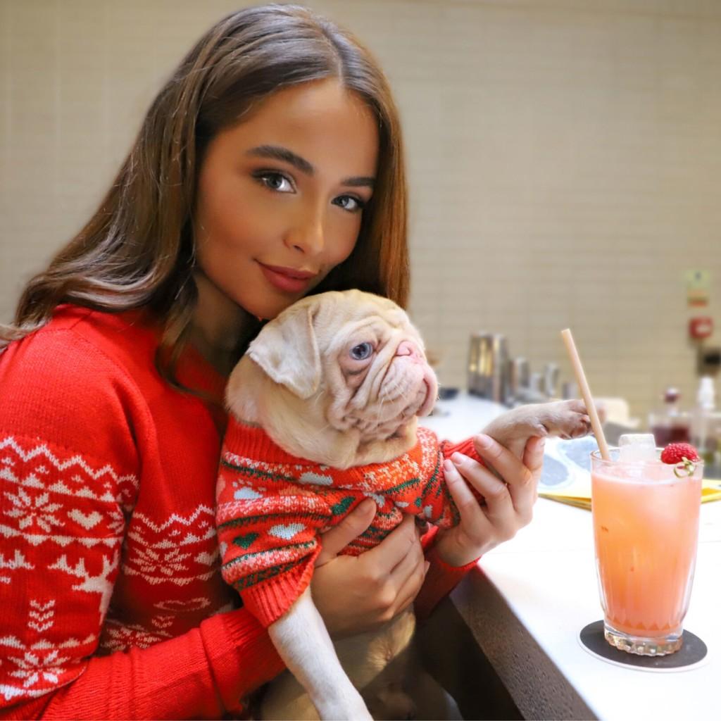 全世界不到100隻!狗界網帥「粉紅臉巴哥」每週上水療中心 比人還爽