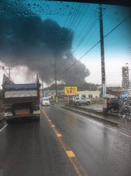 日本突然「下黑雨」!民眾恐慌「該不會在偷燒遺體?」被投核彈後也下過