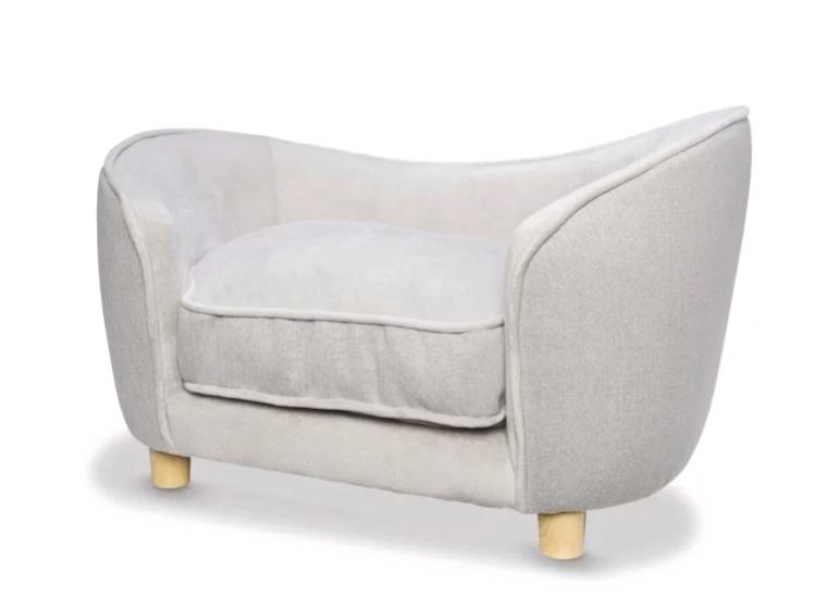 超可愛「毛孩專用沙發」晉升上流狗圈 承重力超猛「連主人都能坐」!
