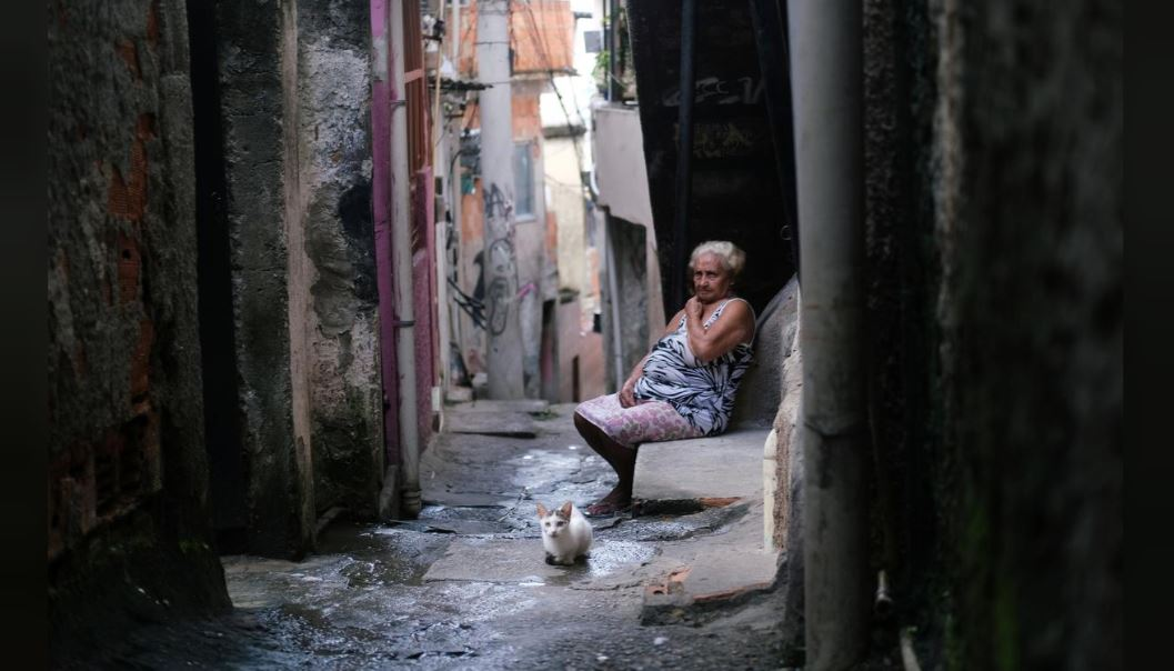 繼續擺爛!巴西黑道看不下「政府零作為」自行宣布施行宵禁