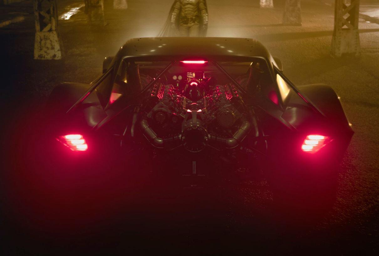 新版「蝙蝠車」曝光!比前幾代「更時尚+霸氣」粉絲:這次不雷