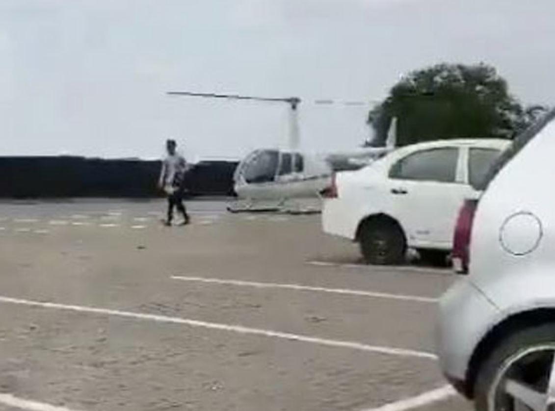 男大生忘記帶書包!爸媽霸氣「開直升機送來學校」他:因為怕塞車