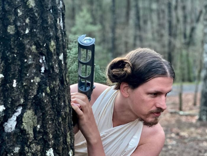 工程師在家隔離讓女友「拿頭髮做實驗」 網友:連女生都會嫉妒你