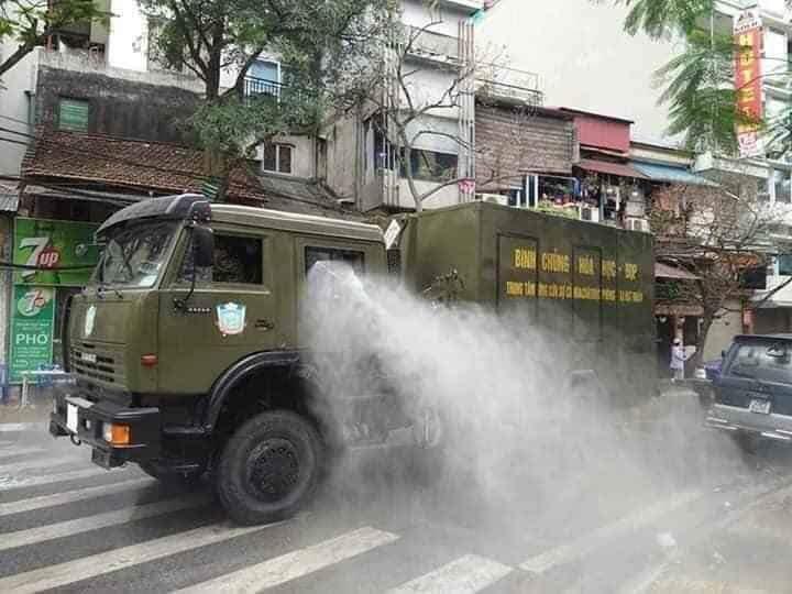 越南「武肺確診」比台灣少!網揭「超強防疫手段」:一人感染,整條街隔離