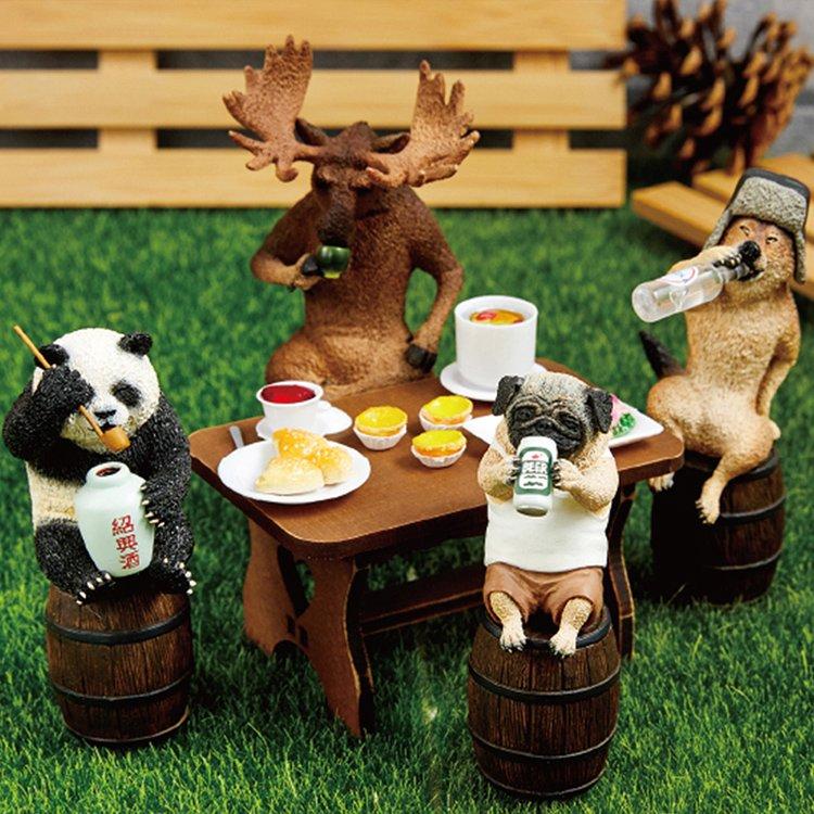 動物們的「瘋狂買醉人生」扭蛋最新力作 巴哥「灌台啤」就是下班後的你們!