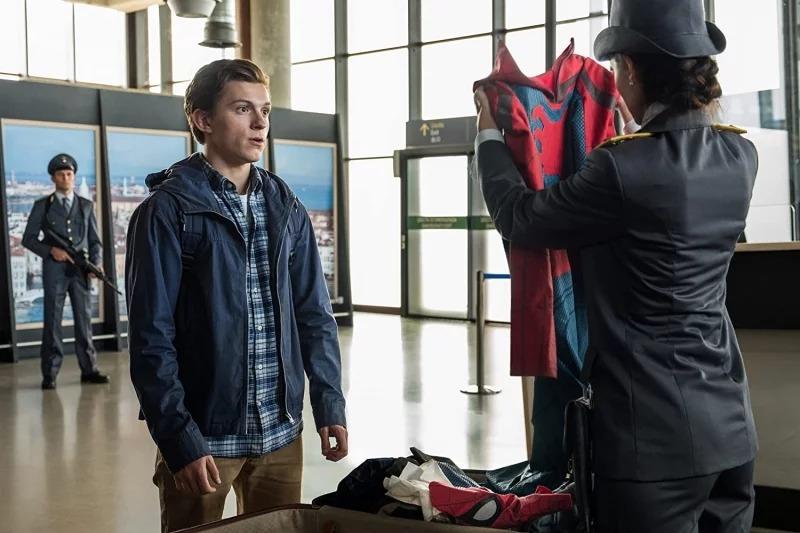 《蜘蛛人3》才剛宣布今年開拍!導演秒公開「海報+副標」粉絲笑翻:太時事